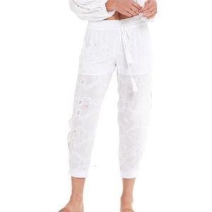 Yong fab broke NWOT White Eyelet Bluftan pants M